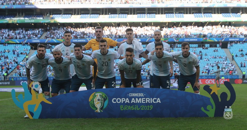 https: img.okeinfo.net content 2019 06 24 51 2070066 timnas-argentina-di-copa-america-2019-bermain-layaknya-tim-tanpa-pelatih-17ZAZLGbIX.jpg
