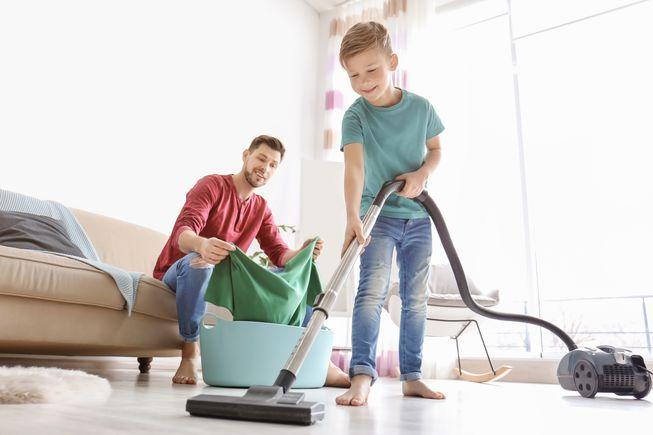 https: img.okeinfo.net content 2019 06 25 196 2070452 anak-yang-terbiasa-lakukan-pekerjaan-rumah-tangga-akan-jadi-orang-sukses-FjUpuLdJdJ.jpg