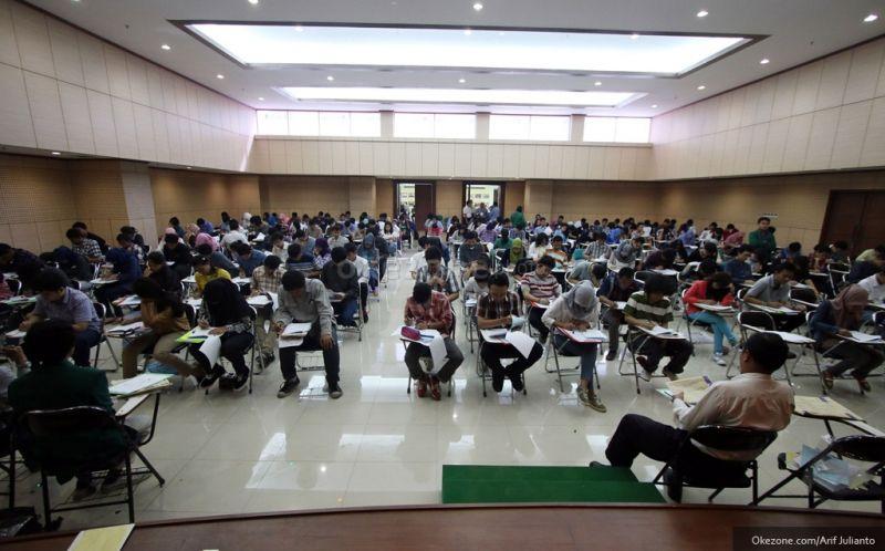 https: img.okeinfo.net content 2019 06 26 65 2071197 peminat-sbmptn-uns-tertinggi-kedua-di-indonesia-TZ8vPMduSU.jpg
