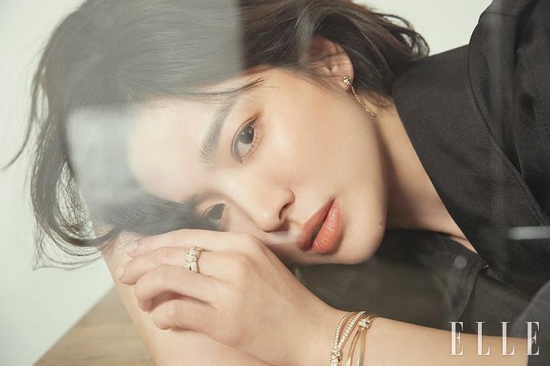 https: img.okeinfo.net content 2019 06 27 33 2071739 pernikahan-tak-berjalan-mulus-song-hye-kyo-stres-dan-kerap-menangis-ZXietNCzGx.jpg