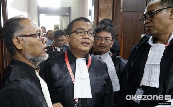 https: img.okeinfo.net content 2019 06 27 605 2071602 bw-beri-hormat-untuk-saksi-prabowo-sandi-yang-dijebloskan-ke-penjara-n2lMEzcPnu.jpg