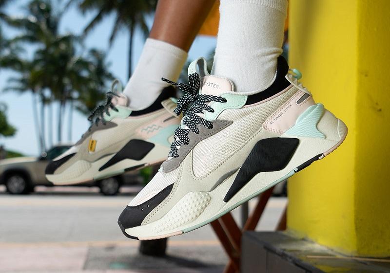 https: img.okeinfo.net content 2019 06 28 194 2072290 falling-coconuts-koleksi-sneakers-puma-terbaru-yang-terinspirasi-dari-pantai-kTWOO3ENjs.jpg