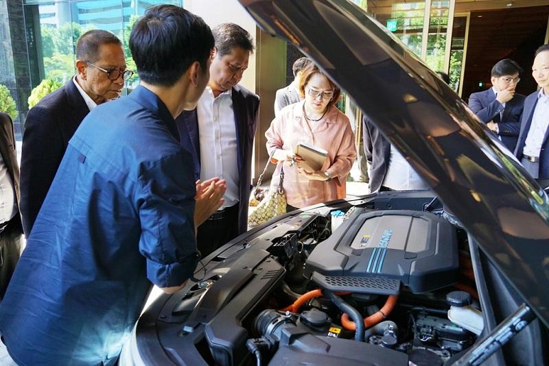https: img.okeinfo.net content 2019 06 30 320 2072783 investasi-di-indonesia-hyundai-motor-mulai-produksi-di-2021-8mMGglk6Vr.JPG