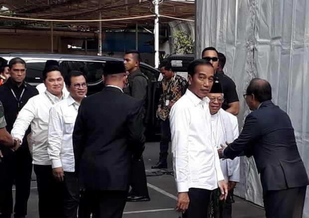 https: img.okeinfo.net content 2019 06 30 605 2072839 kpu-resmi-tetapkan-jokowi-ma-ruf-amin-sebagai-presiden-wapres-terpilih-2019-2024-VHOix09tYR.JPG