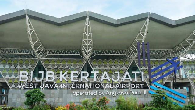 https: img.okeinfo.net content 2019 07 01 320 2073277 bandara-kertajati-akan-segera-dilengkapi-hotel-dan-pusat-oleh-oleh-H9rPobZkEQ.jpg