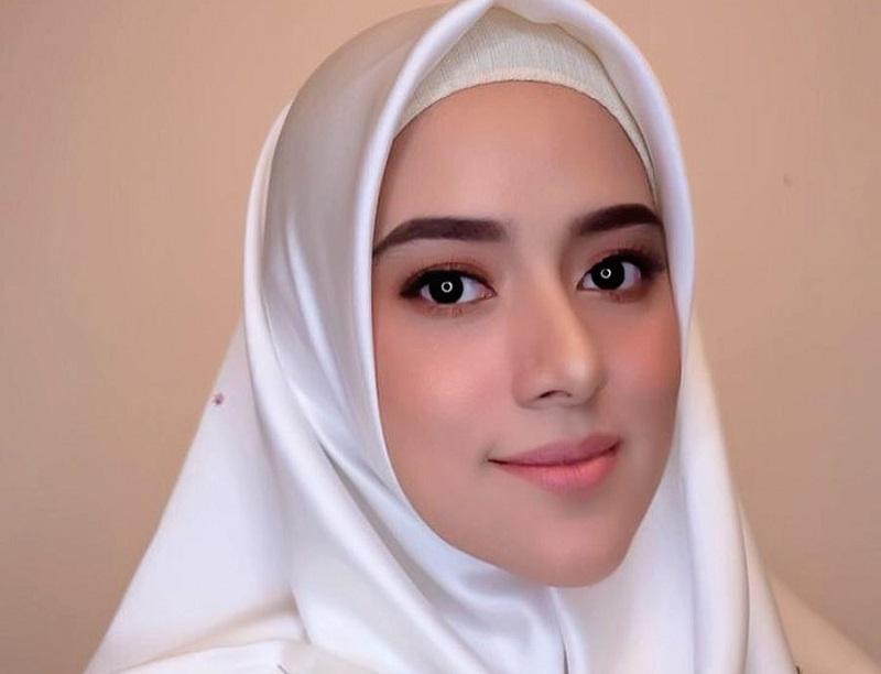 https: img.okeinfo.net content 2019 07 01 33 2073328 fairuz-a-rafiq-tanggapi-tudingan-mantan-suami-soal-gonta-ganti-pasangan-EY3eydhKC6.jpg
