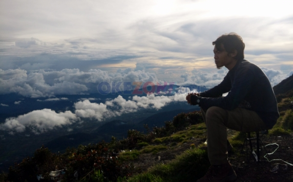 https: img.okeinfo.net content 2019 07 02 406 2073796 5-gunung-super-indah-di-indonesia-berapa-yang-sudah-kamu-daki-nyzqyojDmM.jpg