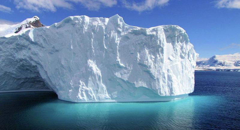 https: img.okeinfo.net content 2019 07 08 18 2076148 perusahaan-uea-berencana-tarik-gunung-es-dari-antartika-ke-teluk-persia-62kp8TaGLd.jpg