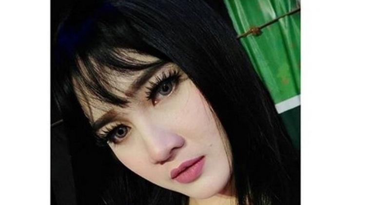 https: img.okeinfo.net content 2019 07 09 205 2076339 nella-kharisma-siap-ramaikan-pesta-rakyat-panggung-prajurit-di-surabaya-23Rl2UtngD.jpg