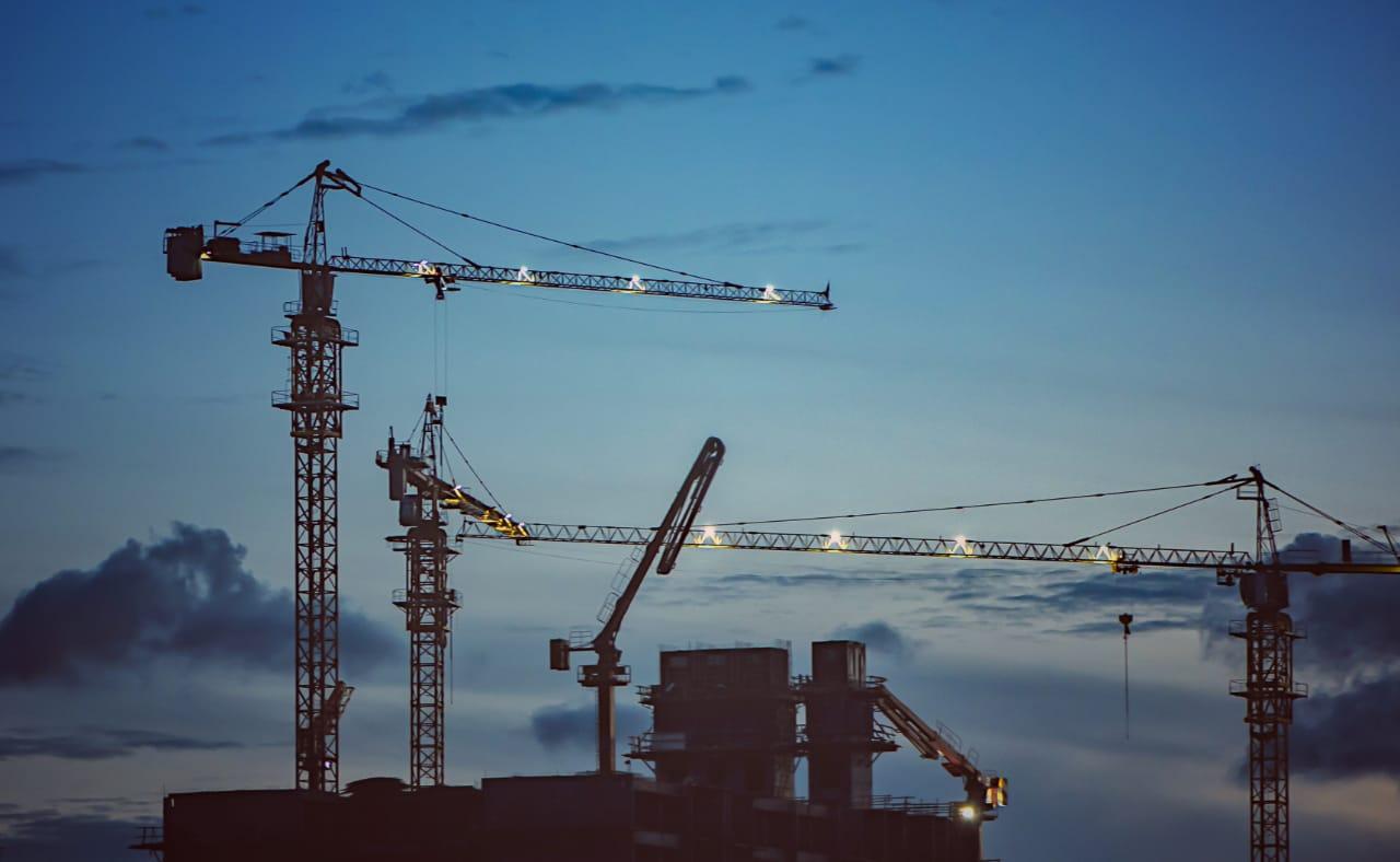 https: img.okeinfo.net content 2019 07 09 320 2076565 pembangunan-infrastruktur-korbankan-45-000-kontraktor-dalam-negeri-sUd5tpfqVe.jpg