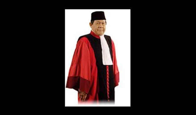 https: img.okeinfo.net content 2019 07 11 337 2077514 hakim-konstitusi-periode-pertama-natabaya-tutup-usia-1YQYSxRy39.jpg
