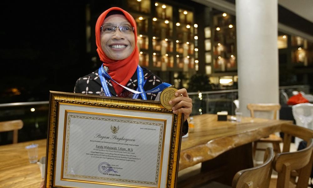 https: img.okeinfo.net content 2019 07 11 65 2077529 sipendi-warnai-teknologi-pendidikan-indonesia-di-tengah-revolusi-industri-dVmdBeE1pk.jpg