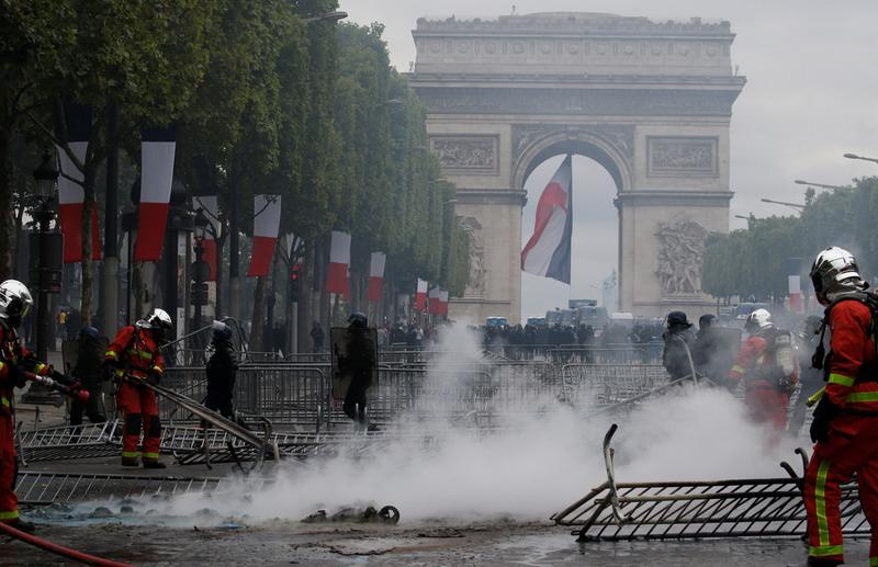 https: img.okeinfo.net content 2019 07 15 18 2078987 lebih-dari-150-orang-ditahan-menyusul-demonstrasi-rusuh-pada-hari-bastille-di-prancis-TUuDWwufgr.jpg