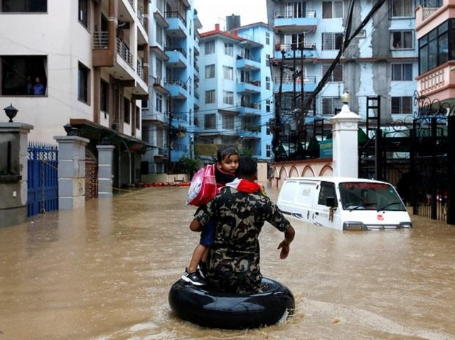 https: img.okeinfo.net content 2019 07 15 18 2079033 65-orang-tewas-imbas-banjir-landa-nepal-india-dan-bangladesh-kxcLAydOIn.jpg