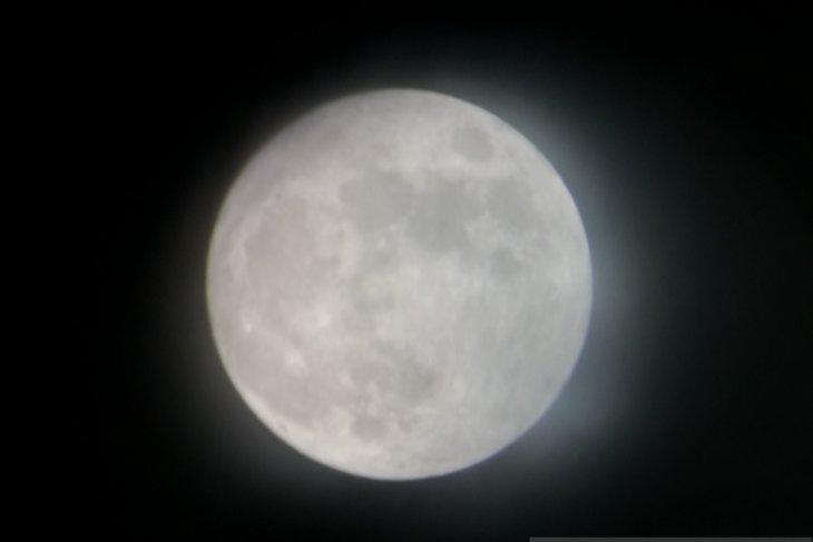 https: img.okeinfo.net content 2019 07 16 338 2079841 planetarium-sediakan-13-teleskop-pantau-gerhana-bulan-gratis-bagi-masyarakat-EyM6BRk6N6.jpg