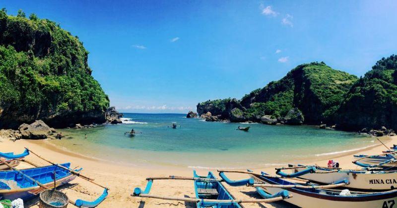 https: img.okeinfo.net content 2019 07 16 406 2079429 4-destinasi-pariwisata-indonesia-yang-jadi-super-prioritas-pernah-ke-sana-HvUEQ0A8rp.jpg