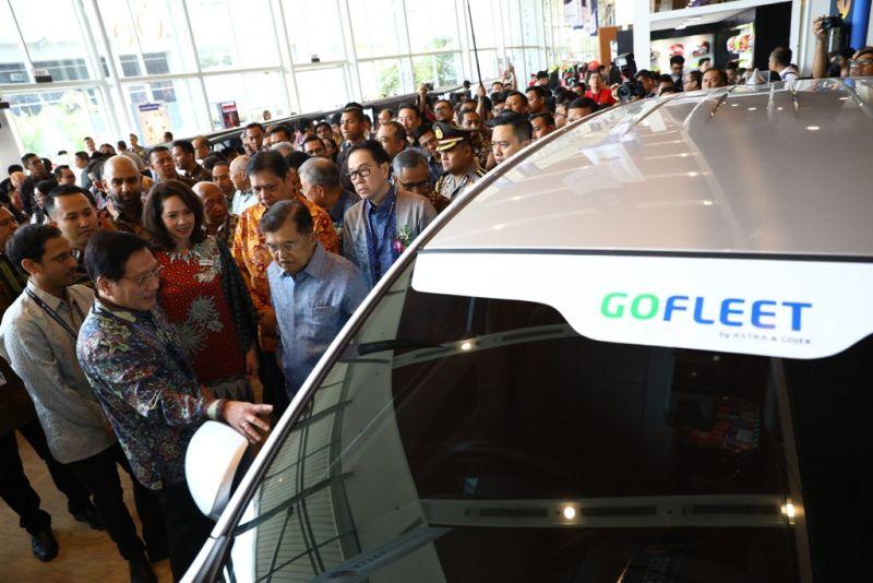 https: img.okeinfo.net content 2019 07 18 320 2080702 joint-venture-astra-dan-gojek-hasilkan-solusi-mobilitas-di-indonesia-zIIG1JiFHF.jpg