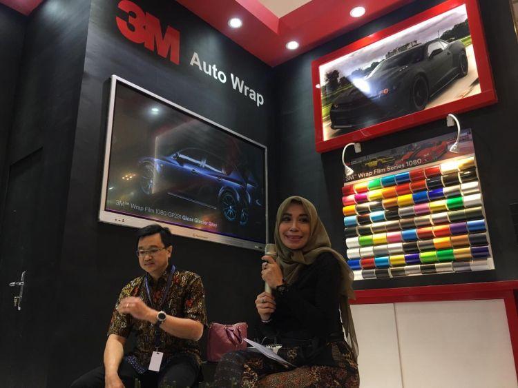 https: img.okeinfo.net content 2019 07 19 312 2081168 hadir-di-giias-3m-indonesia-perkenalkan-seri-stiker-3m-wrap-film-ZxLlcfhT4a.jpg