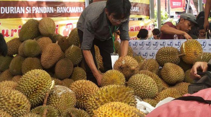https: img.okeinfo.net content 2019 07 19 65 2081010 durian-rancamaya-mulai-tergerus-pembangunan-kota-bogor-OA0yD32wz6.jpg