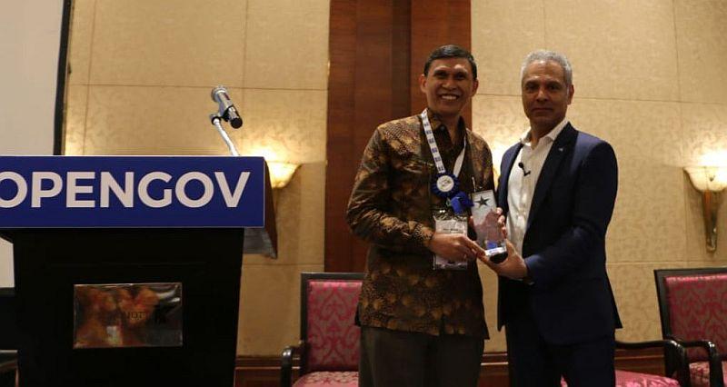 https: img.okeinfo.net content 2019 07 20 320 2081339 opengov-asia-berikan-penghargaan-inisiatif-agriculture-4-0-untuk-kementan-CoR1r9d5sr.jpg
