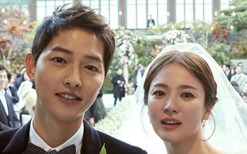 https: img.okeinfo.net content 2019 07 22 33 2081916 song-joong-ki-dan-song-hye-kyo-resmi-bercerai-8j2QPPakWe.jpg
