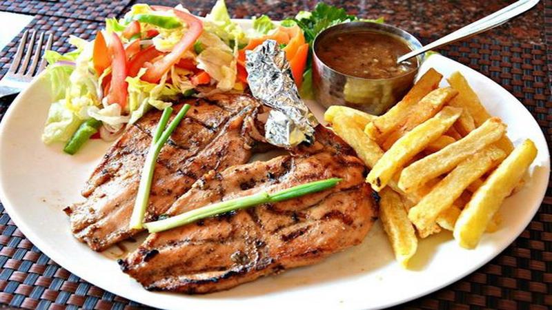 https: img.okeinfo.net content 2019 07 24 298 2082941 2-rekomendasi-resep-makan-malam-spesial-dijamin-makin-romantis-vChn5GGmgm.jpg