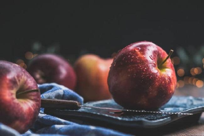 https: img.okeinfo.net content 2019 07 25 56 2083412 satu-buah-apel-simpan-100-juta-bakteri-baik-atau-tidak-U5aOiftJy1.jpg
