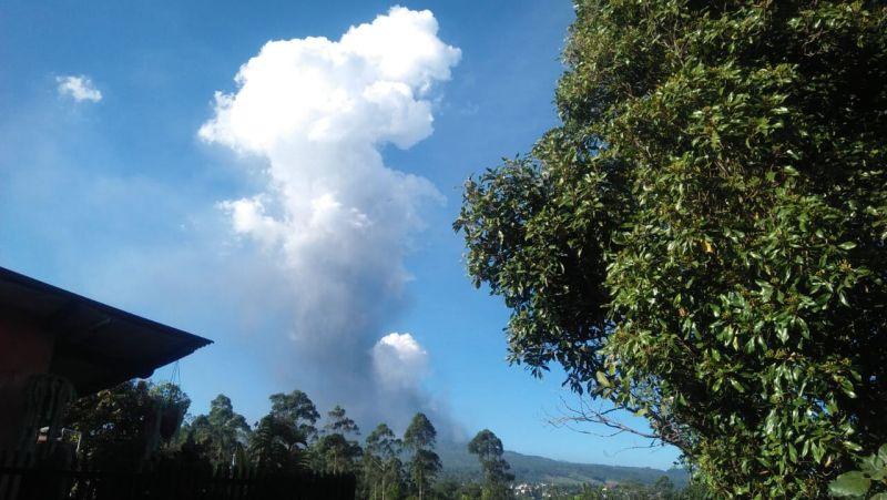 https: img.okeinfo.net content 2019 07 27 525 2084450 bmkg-tegaskan-erupsi-tangkuban-parahu-tak-memicu-aktivitas-sesar-lembang-HXMoVpR76d.jpg