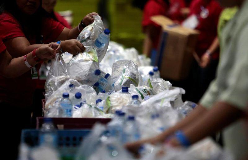 https: img.okeinfo.net content 2019 07 29 320 2085046 7-kontainer-limbah-plastik-direekspor-ke-hongkong-KWgJWueQ8b.jpg
