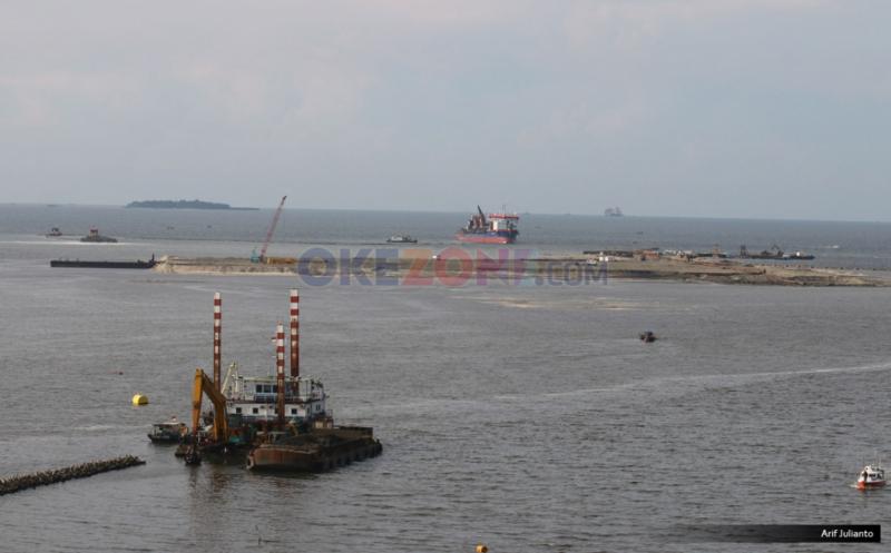 https: img.okeinfo.net content 2019 07 29 338 2084913 pencemaran-minyak-di-pantai-karawang-meluas-ke-kepulauan-seribu-jakarta-spLoaGI0Hn.jpg