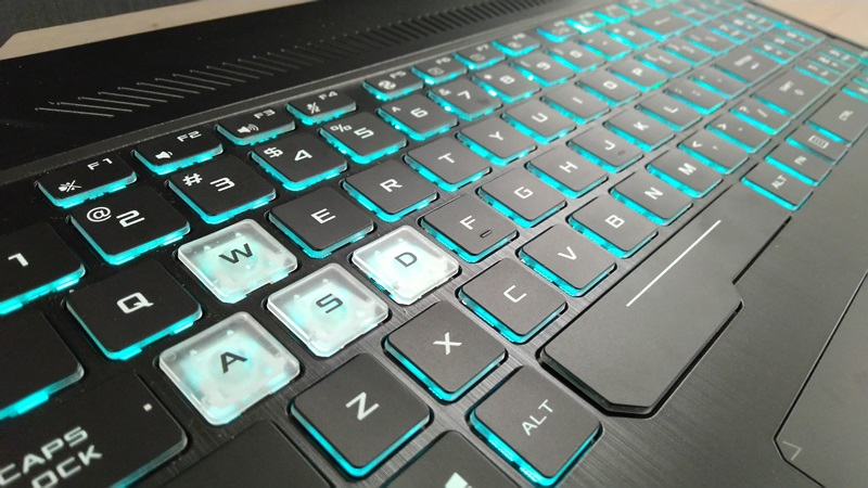 https: img.okeinfo.net content 2019 07 30 92 2085430 asus-tuf-gaming-fx505d-laptop-gaming-ringan-dengan-rgb-backlit-keyboard-klbQUrHXDI.jpg