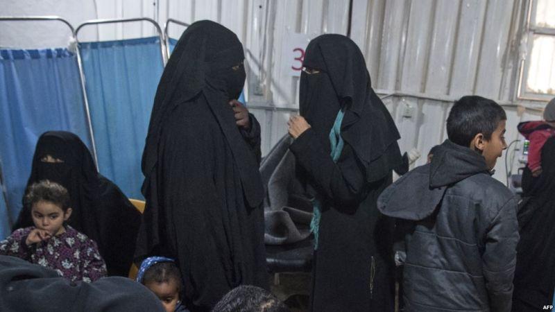 https: img.okeinfo.net content 2019 07 31 18 2085738 wanita-hamil-pejuang-isis-asal-indonesia-ditemukan-tewas-di-kamp-al-hol-DLpH1hdF7p.jpg
