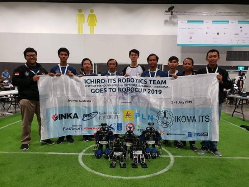 https: img.okeinfo.net content 2019 08 02 326 2086784 robot-sepak-bola-its-juarai-robocup-2019-di-australia-TmBO2BTMxd.jpg