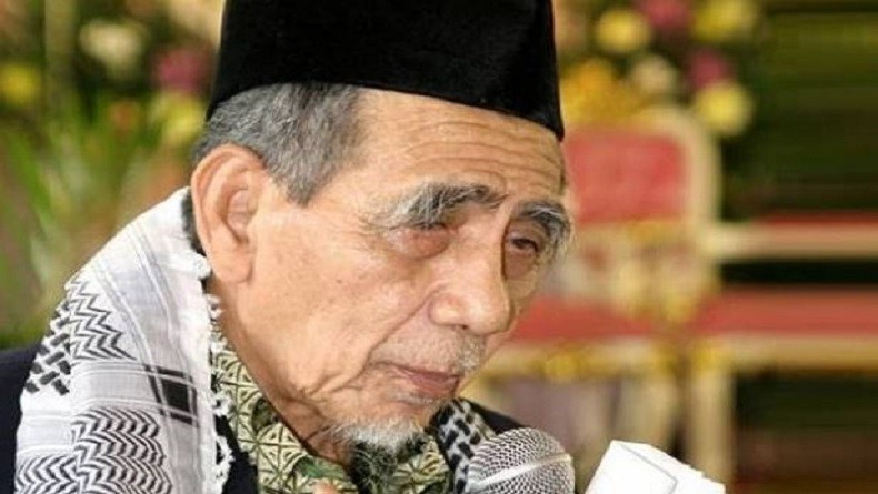 https: img.okeinfo.net content 2019 08 06 337 2088444 kenangan-megawati-mbah-moen-serukan-persatuan-indonesia-sebelum-wafat-WhGY9LPBLm.JPG