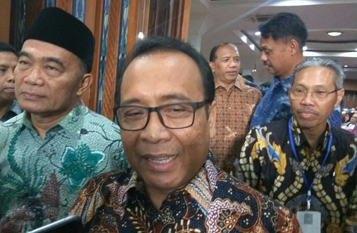 https: img.okeinfo.net content 2019 08 08 65 2089296 mensesneg-rektor-asing-untuk-dobrak-kompetisi-kampus-di-indonesia-d91vEzCXyz.jpg