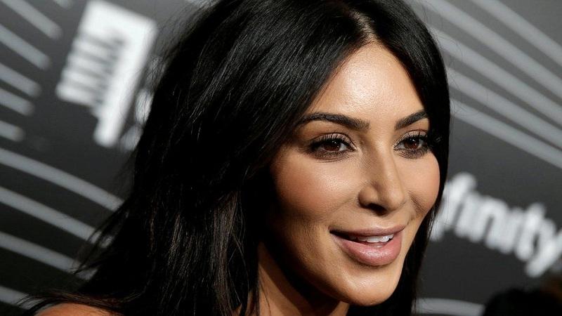 https: img.okeinfo.net content 2019 08 09 196 2090075 pernah-gemuk-kim-kardashian-sempat-dibully-mirip-ikan-paus-s3UY7BfVee.jpg