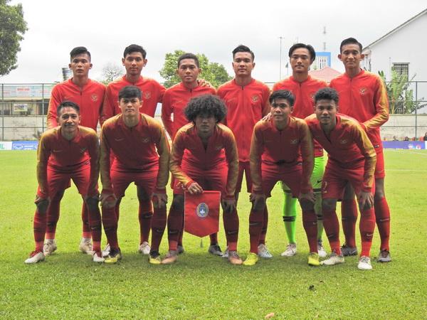 https: img.okeinfo.net content 2019 08 12 51 2090789 prakiraan-susunan-pemain-timnas-indonesia-u-18-vs-laos-qDmBwo7q56.jpg
