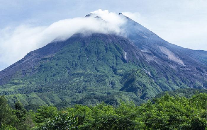 https: img.okeinfo.net content 2019 08 12 618 2091012 pendaki-ini-doa-naik-gunung-fRGzJi4p5H.jpg