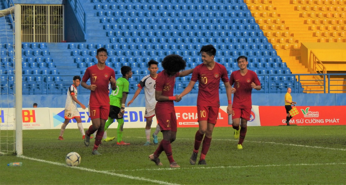 https: img.okeinfo.net content 2019 08 14 51 2091650 siapa-lawan-timnas-indonesia-u-18-di-semifinal-piala-aff-u-18-2019-malaysia-atau-vietnam-xZlPhp3ccF.jpg