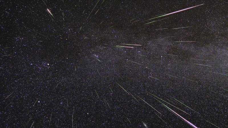 https: img.okeinfo.net content 2019 08 14 56 2091733 ini-foto-foto-penampakan-hujan-meteor-perseid-vWjXEJwBx1.jpg