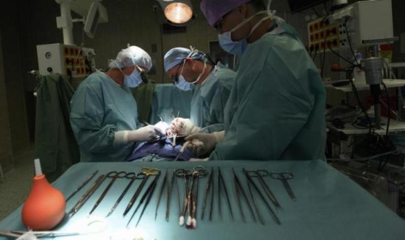 https: img.okeinfo.net content 2019 08 15 18 2092219 diduga-ambil-organ-pasien-secara-ilegal-enam-staf-rumah-sakit-di-china-ditahan-ujWVMeFmAn.jpg