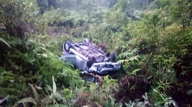 https: img.okeinfo.net content 2019 08 15 340 2092225 minibus-masuk-jurang-2-orang-tewas-dan-6-luka-luka-w0SQLwqJOG.jpg