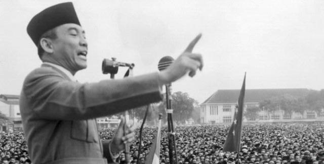 https: img.okeinfo.net content 2019 08 16 337 2092557 peristiwa-16-agustus-penculikan-soekarno-hatta-hingga-pengakuan-belanda-atas-kemerdekaan-indonesia-PcVTLKALMr.jpg