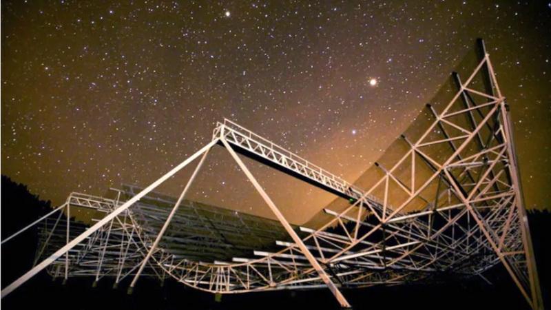 https: img.okeinfo.net content 2019 08 17 56 2093244 astronom-kanada-temukan-8-sinyal-misterius-dari-luar-angkasa-1DbQsfS7vK.jpg