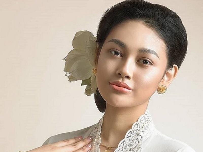 https: img.okeinfo.net content 2019 08 19 194 2093841 3-cara-princess-megonondo-pertahankan-nilai-kemerdekaan-di-era-modern-wyDw3RNHib.jpg