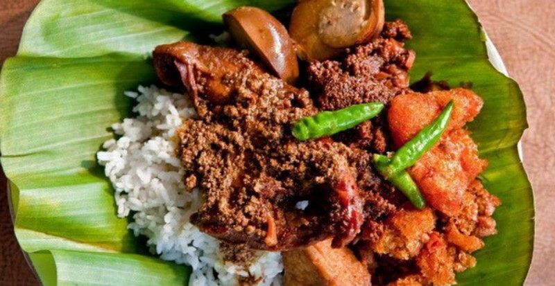https: img.okeinfo.net content 2019 08 24 298 2096219 5-tempat-kuliner-khas-jawa-timur-di-jakarta-rasanya-wenak-tenan-fID9gK1Aiu.jpg