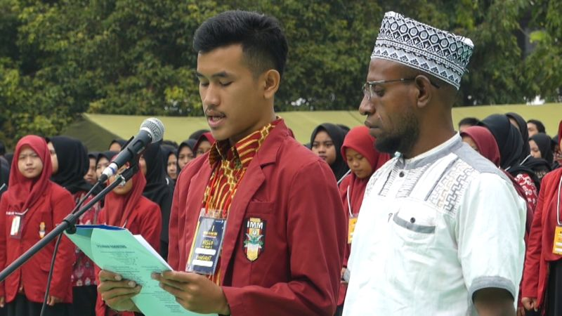 https: img.okeinfo.net content 2019 08 24 512 2096251 tokoh-adat-dan-ribuan-mahasiswa-serukan-perdamaian-untuk-tanah-papua-pM9OPkG5Af.jpg