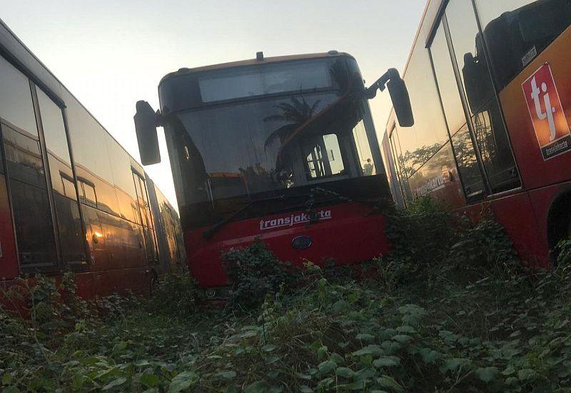 https: img.okeinfo.net content 2019 08 25 320 2096407 di-balik-kuburan-bus-transjakarta-ini-faktanya-dynQ0FdQ0r.jpg