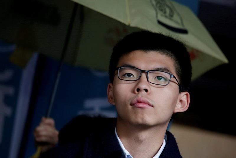 https: img.okeinfo.net content 2019 08 30 18 2098469 aktivis-pro-demokrasi-hong-kong-joshua-wong-kembali-ditangkap-RyD7RdzC4h.jpg