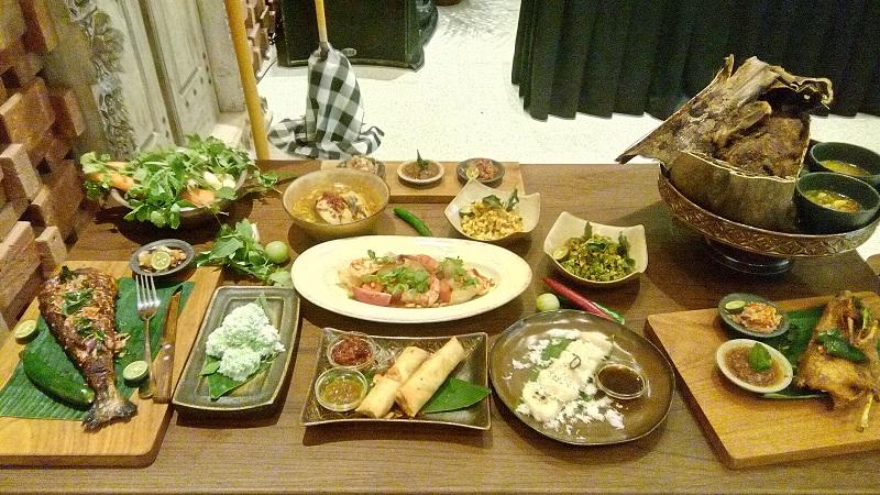 https: img.okeinfo.net content 2019 09 03 298 2100232 alasan-makanan-indonesia-masih-kalah-pamor-dibanding-makanan-asia-lainnya-GSHYrnfwL3.jpg